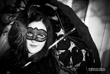 Ragazza con maschera | Girl with mask